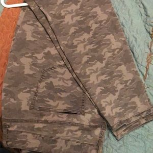 Maurices brand camo jegging